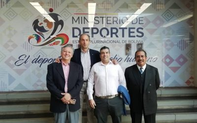 ONG Deporte y Desarrollo y gobierno de Bolivia firman acuerdos para poner en marcha el Proyecto Sach'a